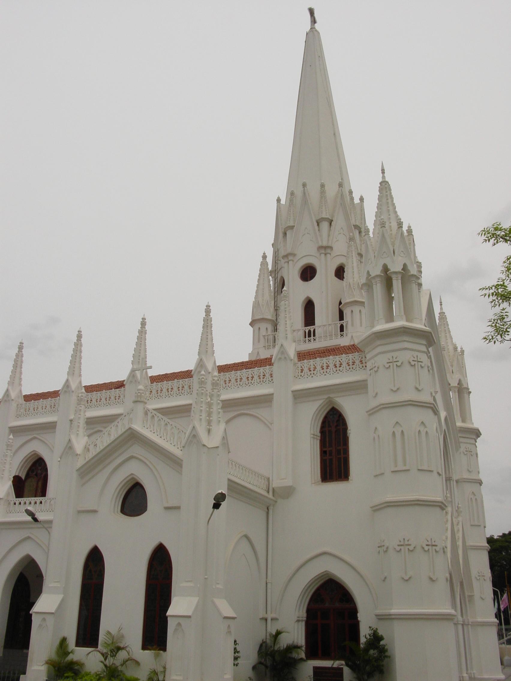 Chennai_san_thome_cathedral_ii