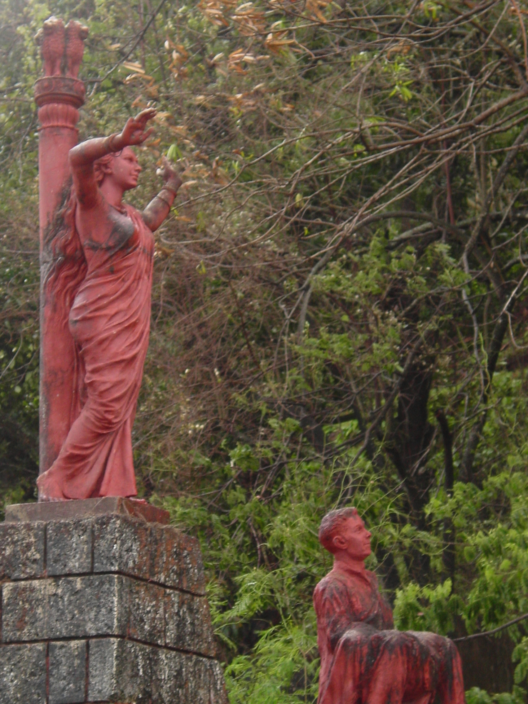 Goa_statues