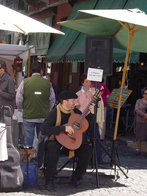 ba_plaza_dorrego_musician