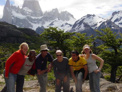 el_chalten_hikers