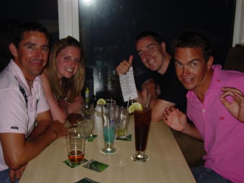 Cairns_dive_party_dive_staff