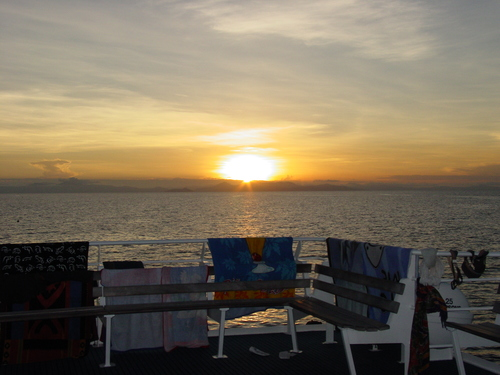 Cairns_prodive_boat_sunset