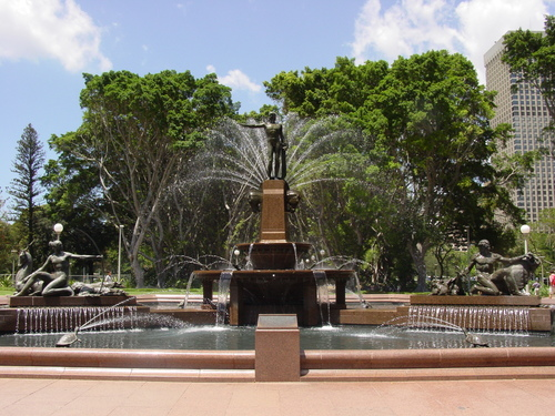 Sydney_hyde_park_fountain