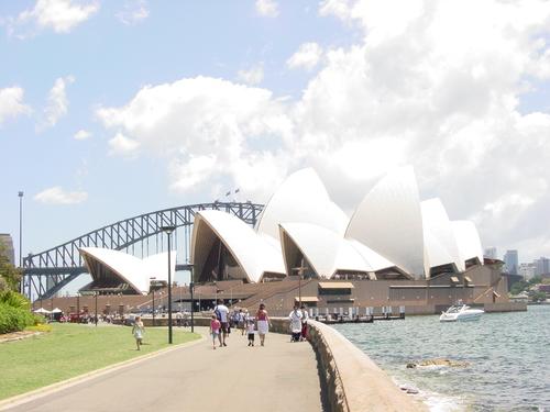 Sydney_opera_house_i