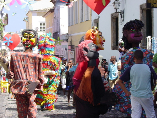Salvador_old_city_parade_i
