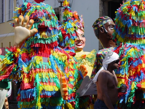 Salvador_old_city_parade_iv