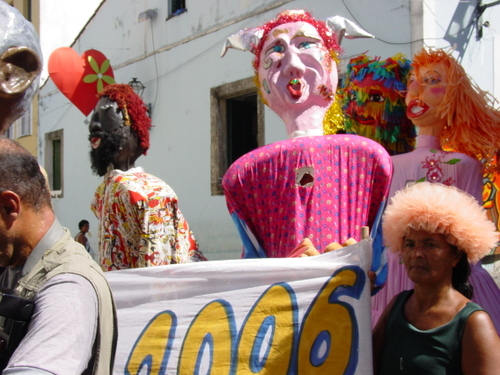 Salvador_old_city_parade_vi