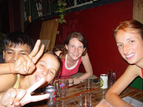 Phnom_phen_drinks_with_anna_beth_and_tes