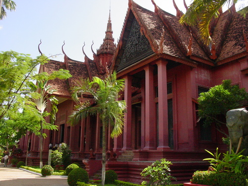 Phnom_phen_national_musuem