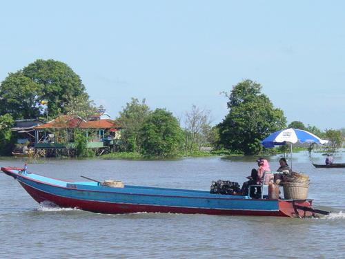 Phnom_phen_to_siem_reap_boat