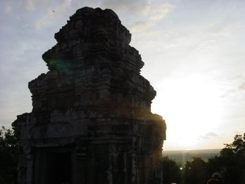 Siem_riep_phnom_bakheng_sunset_i