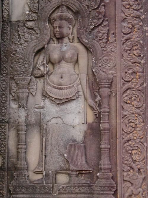 Siem_riep_phnom_bakheng_temple_carving