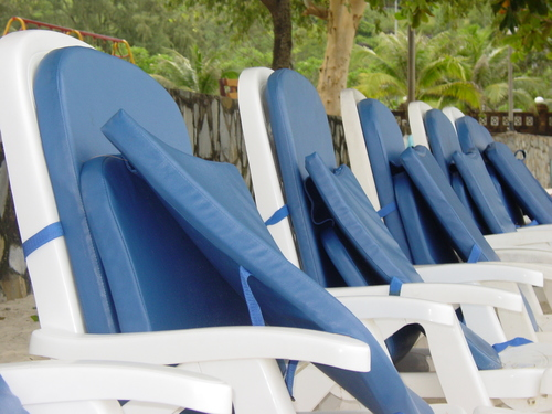 Sihanoukville_sokka_beach_resort_chairs
