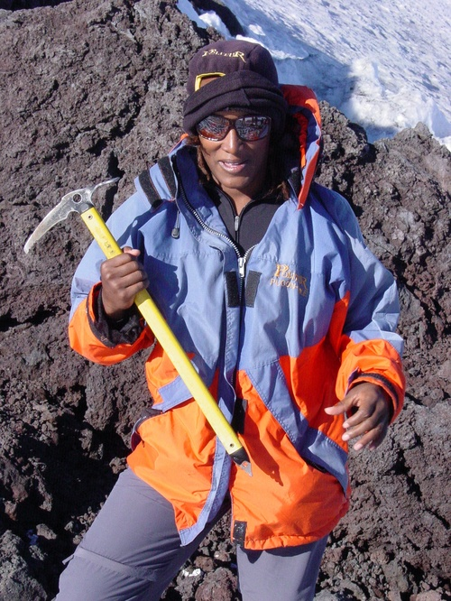 Pucon_volcano_sanyu_with_ice_pick