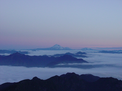 Pucon_volcano_sunrise_view_i