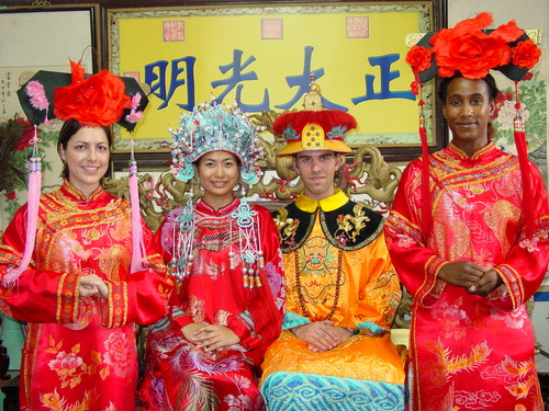 Beijing_new_summer_palace_dressup_cynthi_7