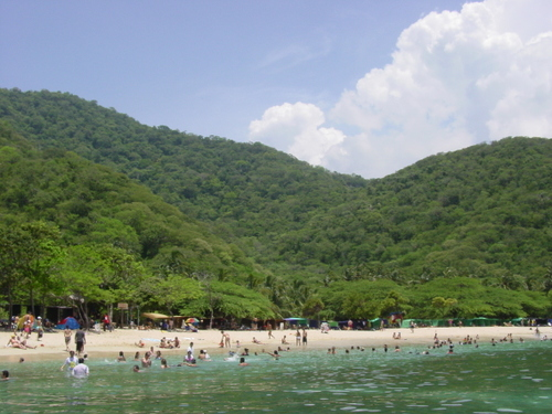 taganga_playa_cristal_beach_from_boat_i