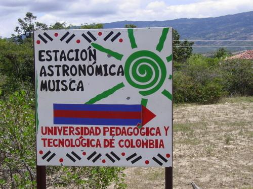 Villa_de_leyva_musica_astronomica_sign