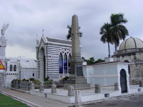 Havana_cemetery_vi