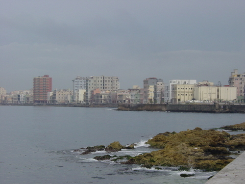 Havana_city_by_water
