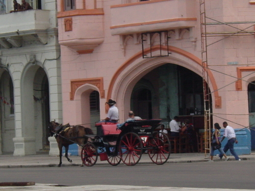 Havana_horse_carriage