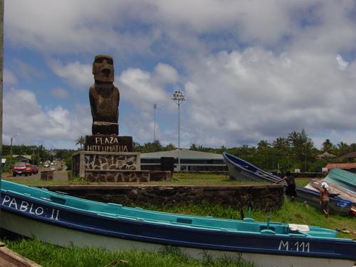 Hanga_roa_moai