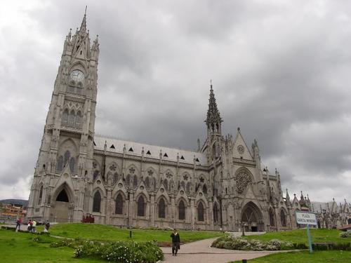 Quito_bascilica