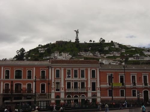 Quito_plaza_santa_domingo_i