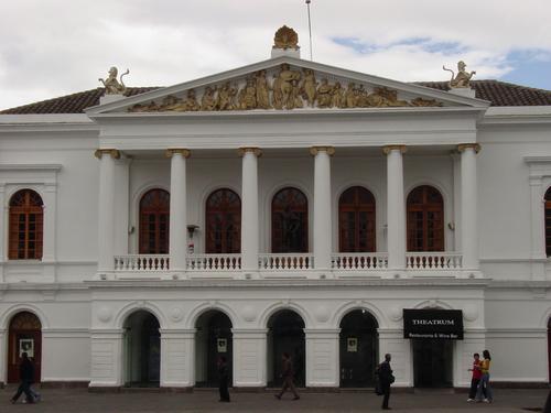 Quito_teatro_sucre