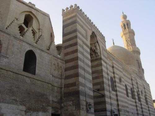Cairo_islamic_cairo_mosque_i