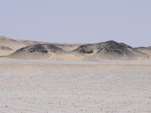 Great_sand_sea_black_desert