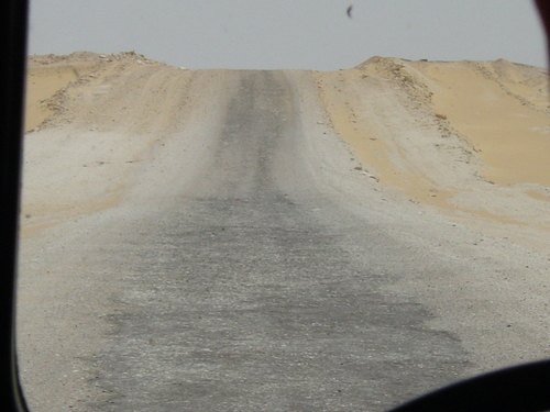 Great_sand_sea_road