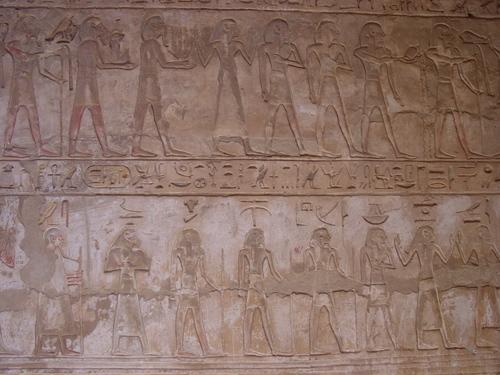Luxor_meditat_habu_iii