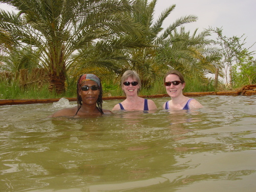 Siwa_sanyu_barbara_and_kat_in_hot_spring