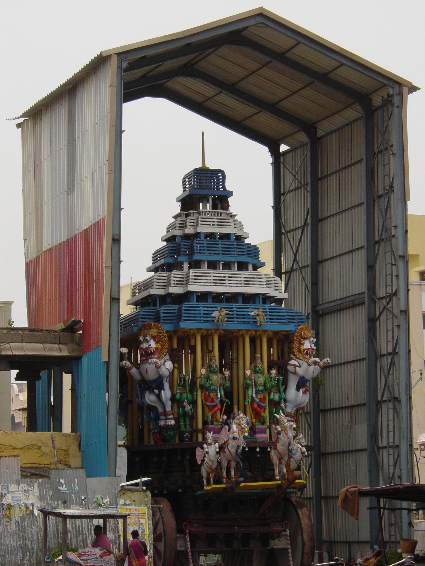 Chennai_statue_on_cart