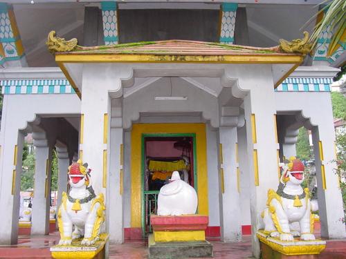 Darjeeling_buddhist_temple_ii