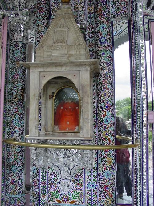 Kolkata_parenshnath_jain_temple_vi