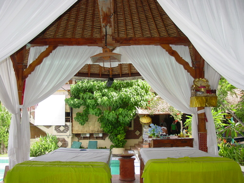 bali_massage_tables