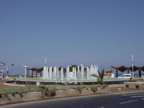 Tell_aviv_allenby_fountain