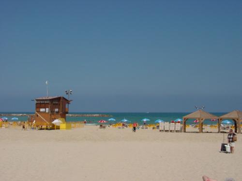 Tell_aviv_beach