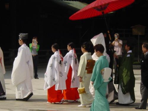 tokyo_meiji_jingu_park_procession_i