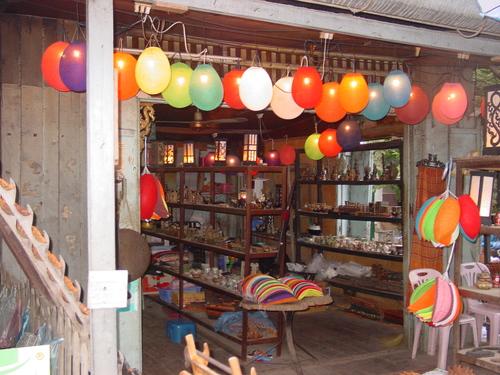 Luang_prabang_market_store