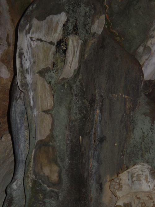 Vang_vieng_kayak_trip_elephant_cave_i