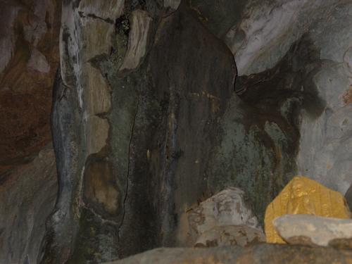 Vang_vieng_kayak_trip_elephant_cave_ii