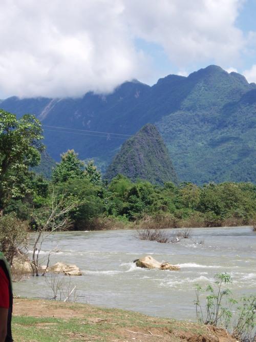 Vang_vieng_kayaking_trip_view_i