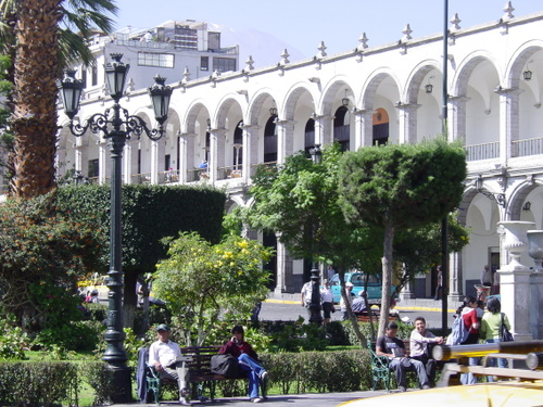 arequipa_main_square_side