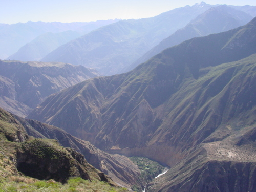 colca_canyon_and_oasis