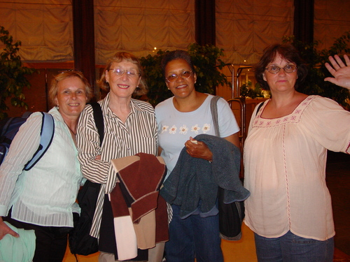 lima_carollyn_anna_mom_and_sharon_goodby