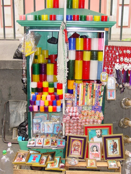 Lima_merced_chruch_candles_for_sale