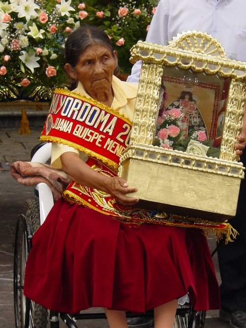 Lima_merced_chruch_woman